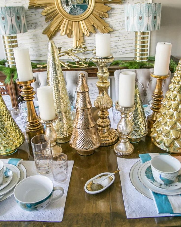 78 images about christmas table decorations on pinterest for Christmas dining room table decorations