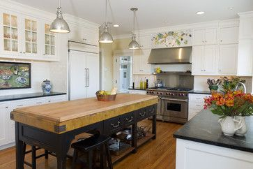 Cottage Kitchen Design, Pictures, Remodel, Decor and Ideas - page 6 Nice stove...stainless steel backsplash?