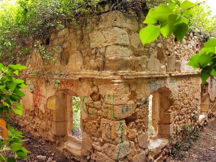 Claustro del convento del Desierto de Calanda. Fotografía de Anjolm, 2010, publicada originalmente en Panoramio (servicio de Google desaparecido)