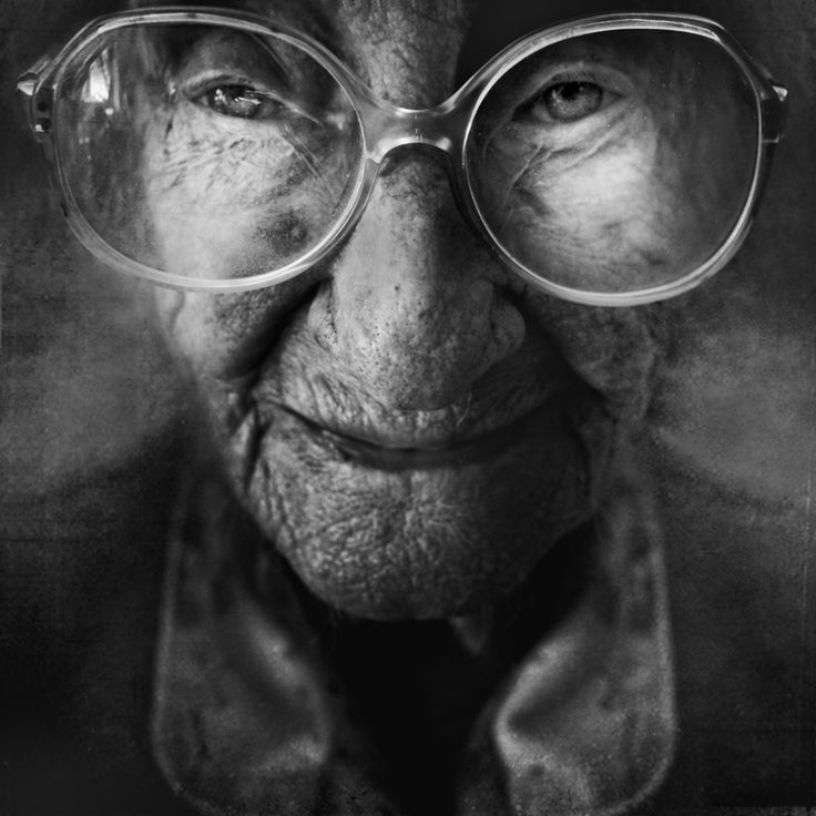 lines of Aging Extra Ordinary Black & White portraits of Old People