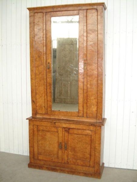 Massief wortelnoten boekenkast met spiegels deur in opstand.