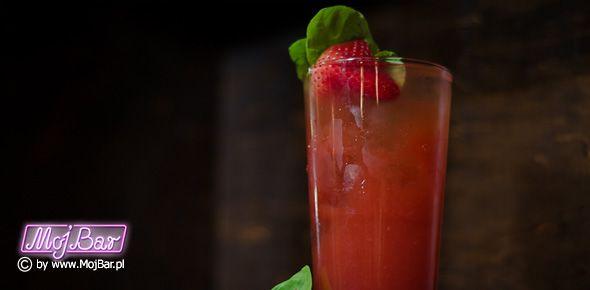 ARCHANGEL Egzotyczny i bardzo aromatyczny:  rum złoty - 20ml, cachaca - 20ml, likier brzoskwiniowy - 40ml, ananasowy sok - 80ml, przecier z truskawek - 40ml Przepisy na drinki znajdziesz na: http://mojbar.pl/przepisy.htm