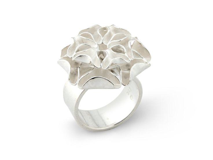 Drífa ring - More info at www.aurum.is #Jewellery #Design #Icelandic #Iceland #Aurum
