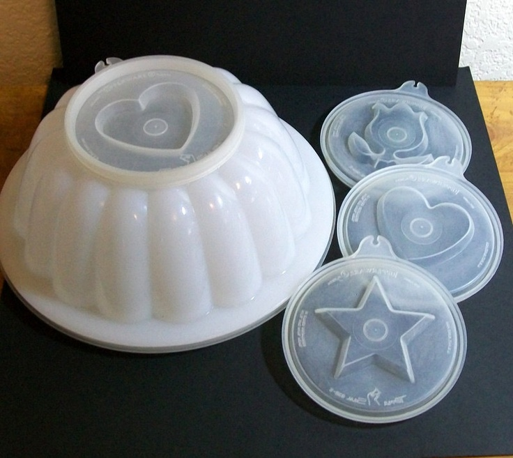 Tupperware jelly mould.