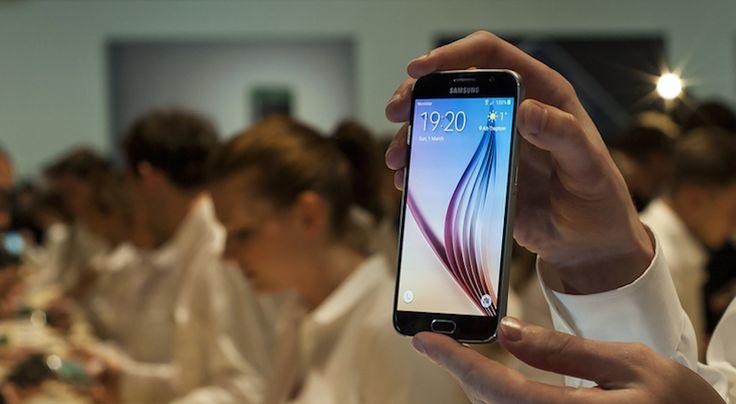 Samsung'un 2016 yılında piyasaya sürmeyi hedeflediği SamsungGalaxy S7 modeli, firmaya yakınlığı ile bilinen WSJ'nin haberine göre basınca dayanaklı ekran ile çıkacağını belirtiyor. Ayrıca ekranı dışında da hali hazırda LG ve Huawei'nin kullandığı USB Type-C port adındaki şarj bağlantısını da eklediğini belirtiyor.Bu özellik, kullanıcıların 30 dakika ya da daha kısa sürede telefonlarını bir gün boyunca kullanmalarına …