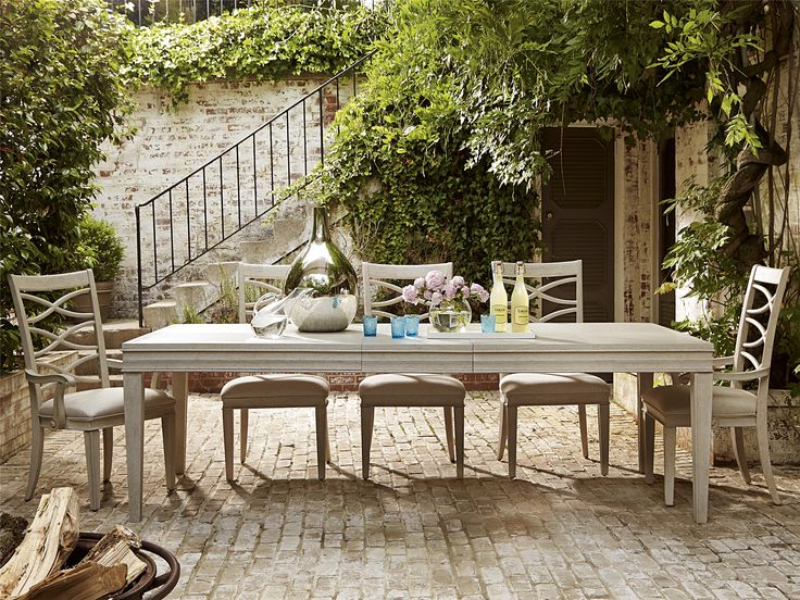Universal Furniture | California Malibu Dining Table
