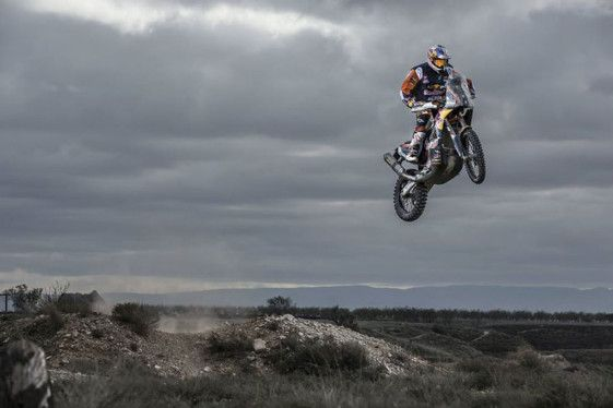 How to Jump Big Bikes like Dakar Rally Racer Toby Price