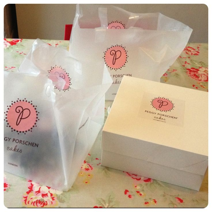 Peggy Porschen knows how to make a Christmas cookie...or two!
