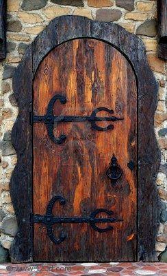 .Old Pub, Pub Doorway, Old Fashion Pub, Beautiful Doors, Knock Knock, Pub Doors, Old Doors, Entrance, Old Wooden Doors