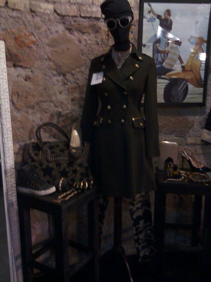Tantissime idee per i tuoi outfit!  Vieni a fare #shopping da noi! #bcomebellezza #Roma