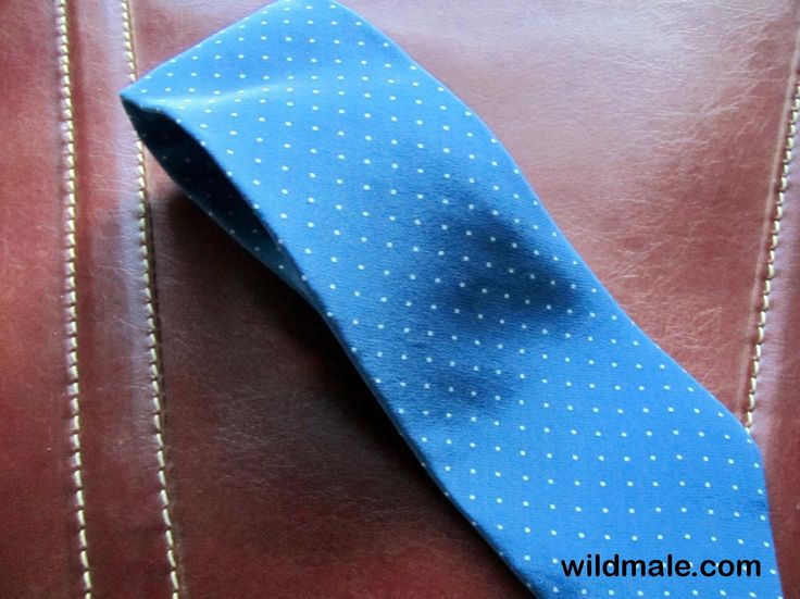 Mens Ties / Made in Italy Austin Grey Polka Dots Vintage Mens Silk Tie / Blue Polka Dot Tie / Frugal Male Fashion Ties / Staples - http://wildmale.com/mens-ties-made-in-italy-austin-grey-polka-dots-vintage-mens-silk-tie-blue-polka-dot-tie-frugal-male-fashion-ties-staples