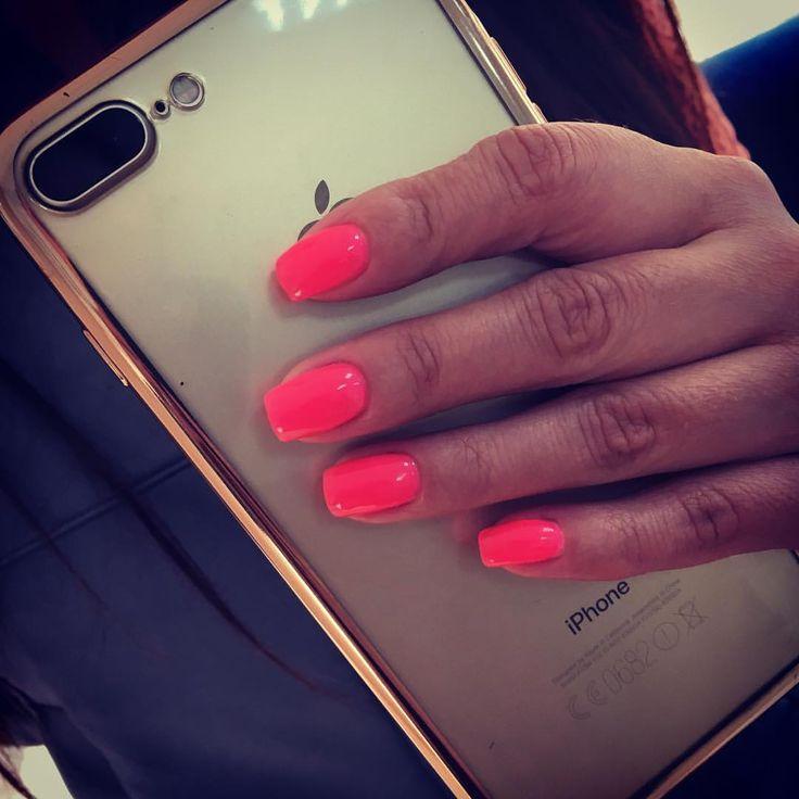 Яркие, неоновые ногти-леденцы для Елены🌷ещё есть окошки на маникюр с покрытием на понедельник #ейск #ейскгельлак #ейскманикюр #гельлакейск #ногтиейск