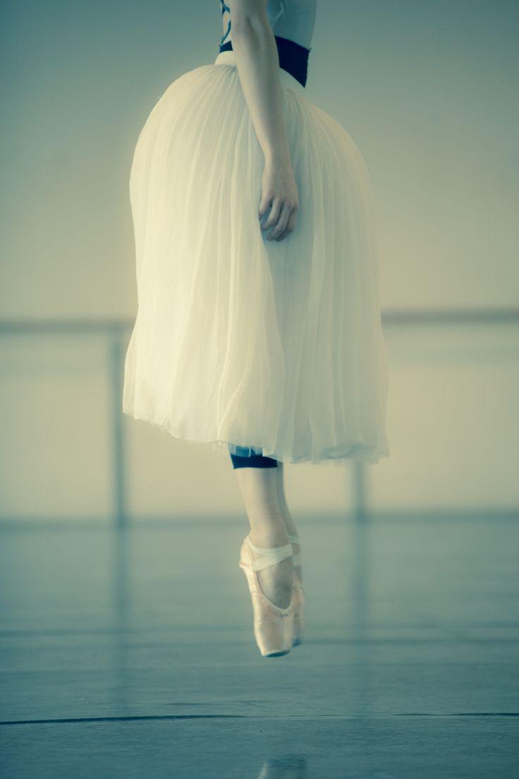 Virna Toppi warming up before rehearsing Giselle - Nureyev Rehearsal Room