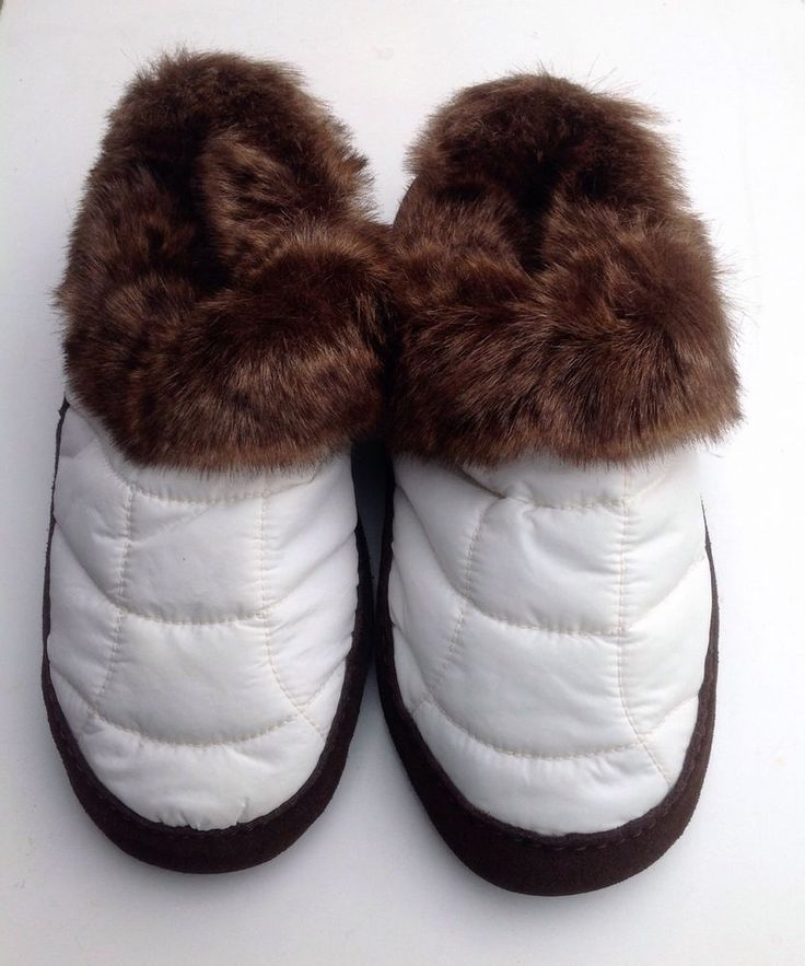 SALE  LANDS END WOMENS WHITE NYLON QUILTED SLIPPERS, SIZE 8, FAUX FUR TRIM, NWT #LandsEnd #QUILTEDSLIPONS