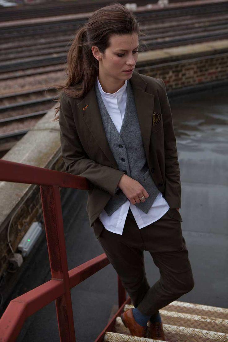 www.thomasthomas.london Menswear for women. Vintage meets modern, masculine meets feminine. Classic androgynous fashion look featuring Eden Clark. #me…