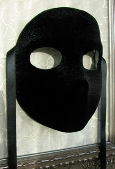 The Masquerade Mask: The Black Velvet Moretta