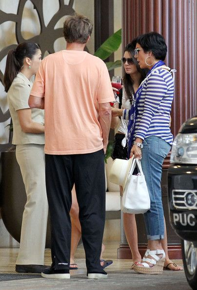 Kris Jenner and Kendall Jenner - The Jenner Family Takes Hawaii