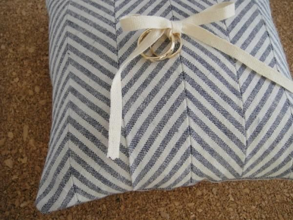 DIY Chevron Ring Pillow : DIY Wedding