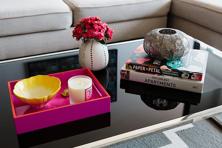 Rushcutters Bay Apartment - Emma Blomfield Interior Stylist Sydney. Living Room. Coffee Table Decor. Trinkets. Styling with Books.