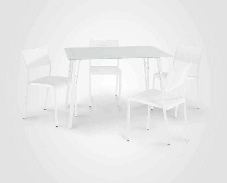 Exclusivo juego de comedor con 4 sillas.