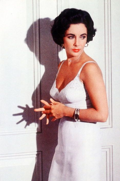 Elizabeth Taylor in Cat on a Hot Tin Roof (1958)