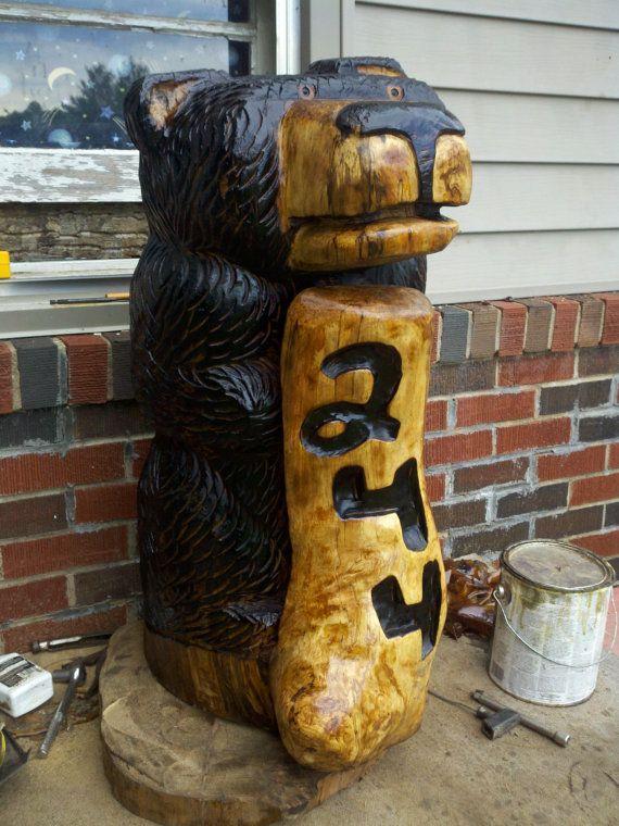 3 foot Chainsaw Carved Bear Holding Custom Plaque: Cutesy Carvings, Wood Carvings Wood, Carvings Wood Art, Chainsaw Carvings, Carved Bear, Chainsaw Carved, Custom