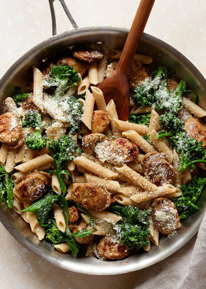 Quick & Easy Whole Wheat Pasta with Broccoli and Chicken Sausage: healthy, delicious, and ready in under 30 minutes! | via forkknifeswoon.com