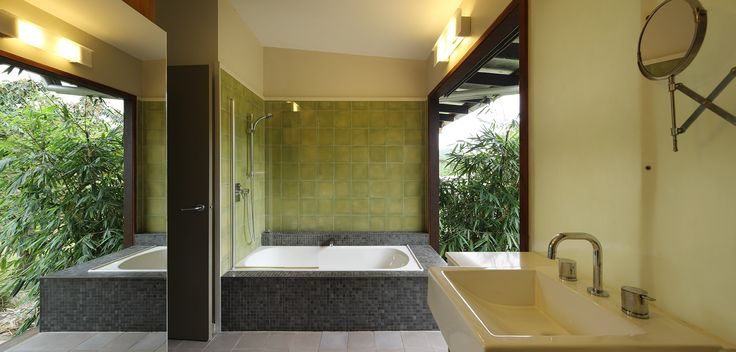 Cedar Creek House: Bathroom with indoor-outdoor atmosphere. See more at http://blighgraham.com.au/projects/cedar-creek-house
