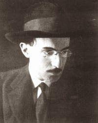 EBNZEUS: Ultimatum Texto de Alvaro de Campos de 1917 e que soa muito atual nos dias de hoje.