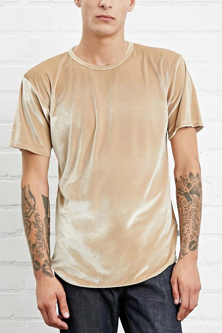 A plush velour tee by EPTM™ featuring a longline curved hem, round neckline, and short sleeves. #forever21men