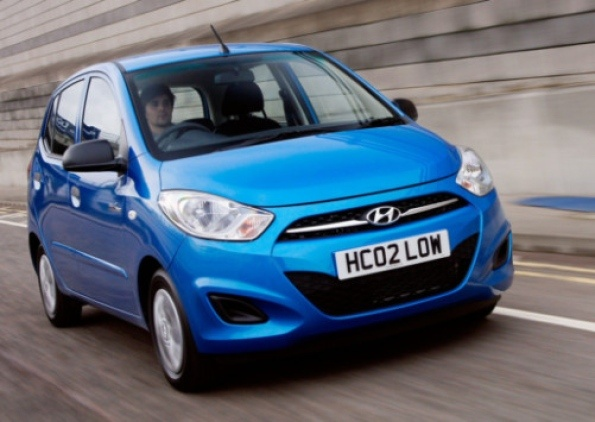 Hyundai's hot-selling city car now looks a little cooler and, in 1.0-litre Blue guise, is out to save the planet...