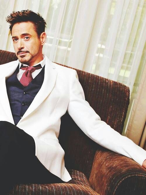 Robert Downey Jr. - it's been awhile since I pinned his beautiful face !