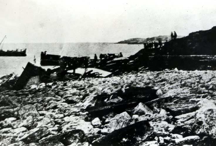 Photograph of the wreck of the ROYAL CHARTER 1859 | Peoples Collection Wales