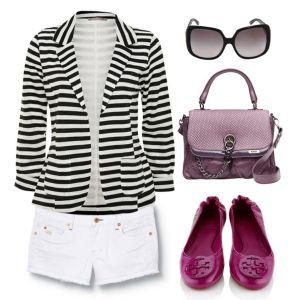 С чем носить фиолетовые балетки: белые шорты, полосатый пиджак