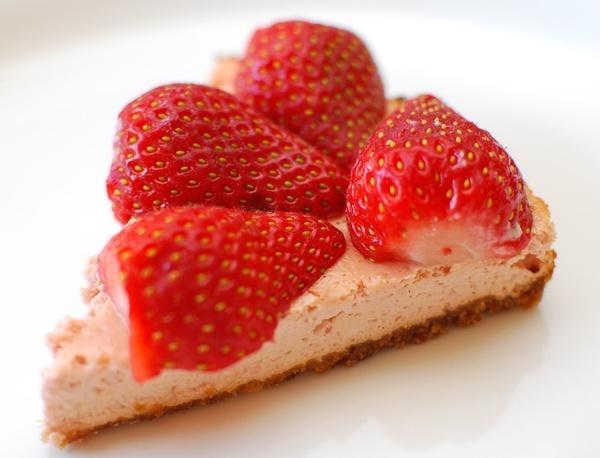 Slimming World Baked Strawberry Cheesecake