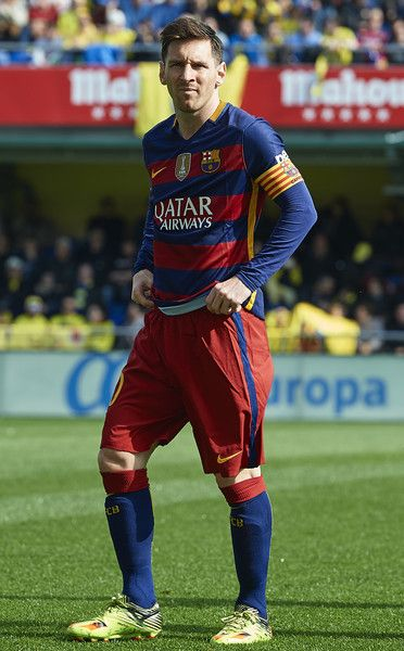 Lionel Messi of Barcelona looks on prior to the La Liga match between Villarreal CF and FC Barcelona at El Madrigal on March 20, 2016 in Villarreal