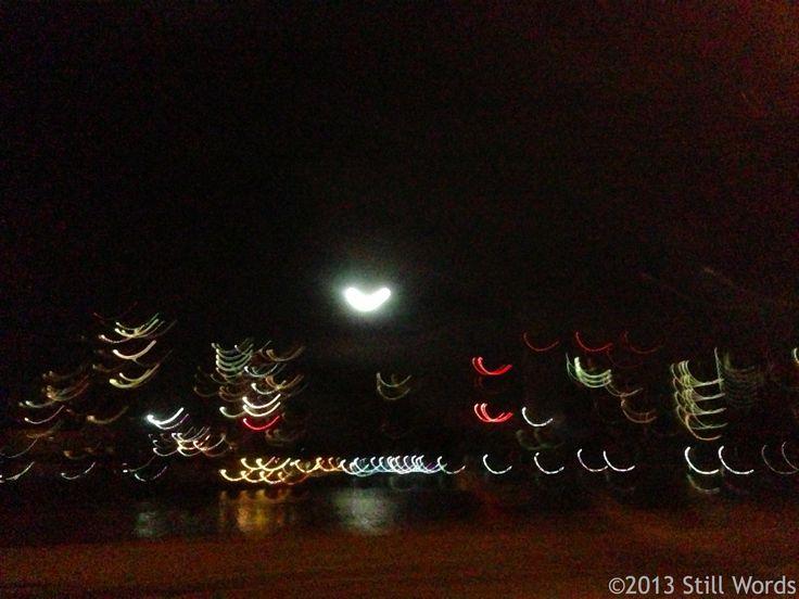 #Manhattan, New York (hearted moon from the bridge) #nyc #moon #travels #viaggi #usa