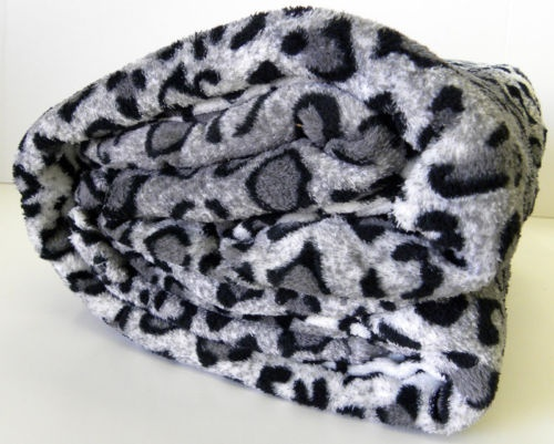 I Want This Black& Grey Leopard Print Microfiber Throw Blanket!!