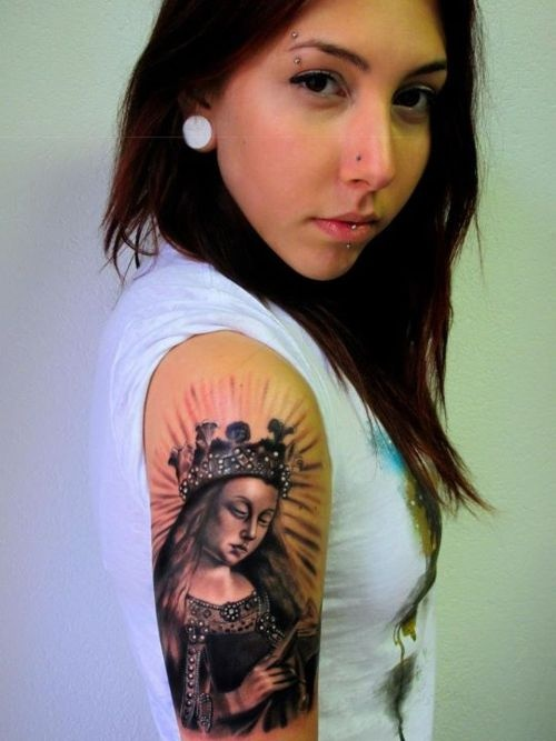 Done by Andrea Afferni in Novara, Italy. The tattoo is of the Virgin Mary from Van Eyck's Ghent Altarpiece.