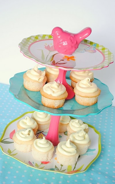 how to make a cupcake stand out of plates