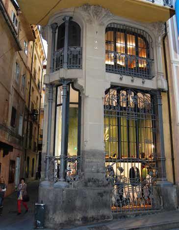esquina del edificio de la Casa Ferrán   Teruel  Spain