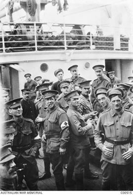 WWI; Australian medics on board the hospital ship Salta which later helped evacuate sick and wounded men from Gallipoli. -Australia Great War (@AustGreatWar) | Twitter