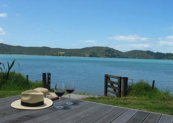 Absolute beachfront - Awaawaroa Bay, Waiheke Island | Bookabach.co.nz/4739