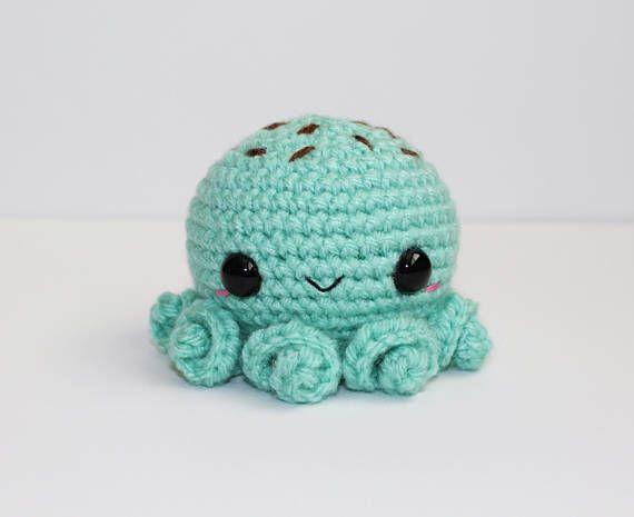 Octopus Cupcake amigurumi pattern - A little love everyday! | 465x570