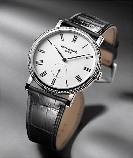 Created in 1932, Patek Philippe's signature model it is the result of an avant-garde philosophy of aesthetics.