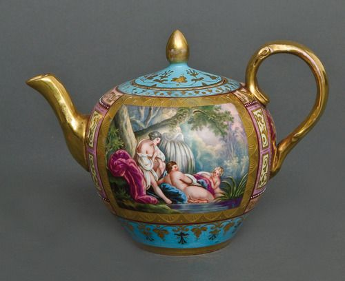 Teapot, unknown designer. If you know please leave comment.. TY