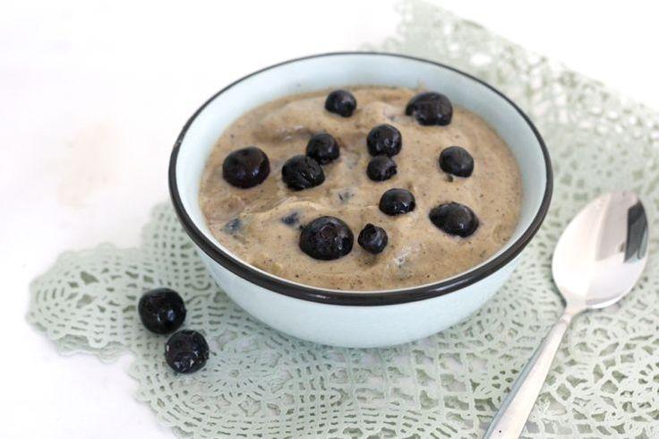 Sinner Sunday: Vanille vla met bessen. Wat een lekker toetje! #homemade #vla #dessert