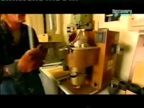 Fabricación de Flautas Traversas (Especial Discovery Channel).avi - YouTube