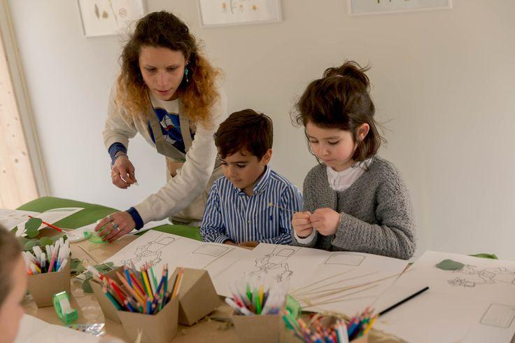 """Au cours des 3 journées de la révélation du Prix, les enfants participaient à des ateliers """"Herbiers"""" pour les initier à la Botanique."""