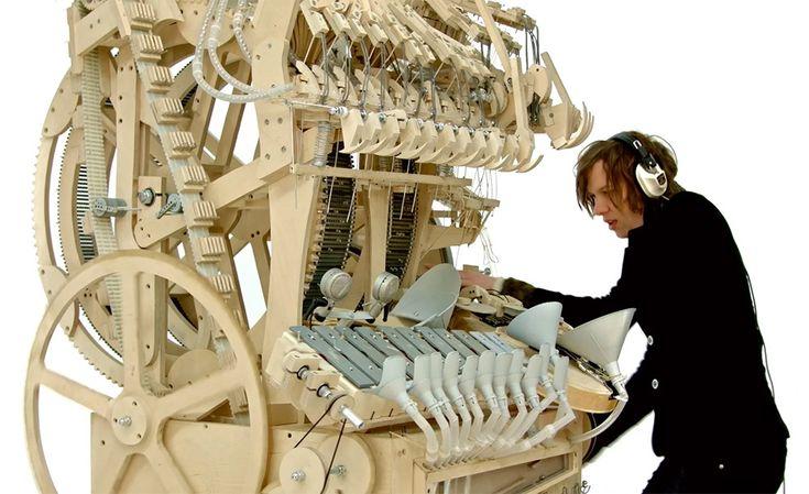 Le Wintergatan est un Instrument de Musique à Billes de Martin Molin (1)